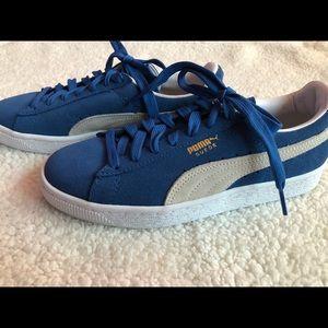 Women Blue Puma Sneakers size 6.5